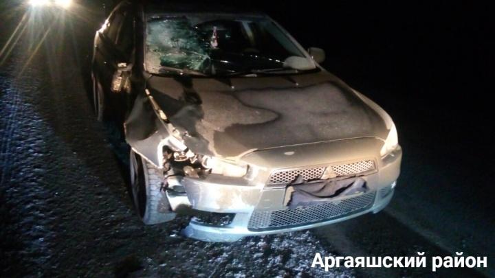 «Шёл по проезжей части»: мужчина погиб после наезда иномарки под Челябинском