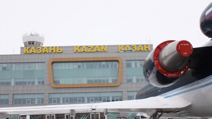Самолёт из Москвы до Челябинска экстренно посадили из-за курильщика на борту