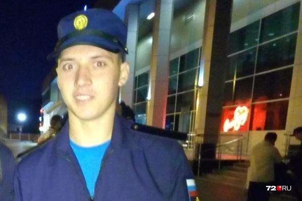 Евгению Графову 19 лет. Он ушел в армию минувшим летом