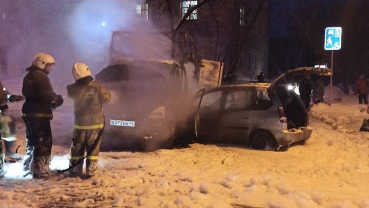 Пострадали двое детей: во Втузгородке легковушка и «Газель» столкнулись и загорелись