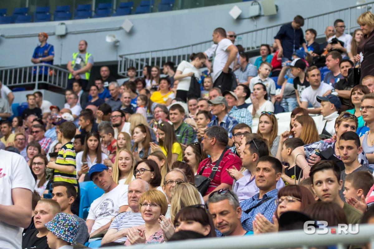 Вслед за спортсменами в Ростов едут их болельщики