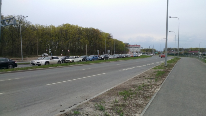 Мусор с Красноглинского и Волжского шоссе пообещали убирать каждый день
