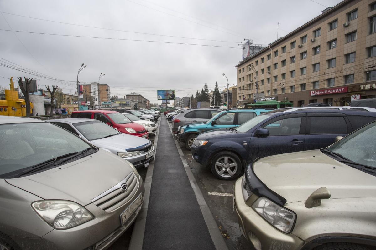 Парковка начнёт работать на пересечении Красного проспекта и улицы Крылова