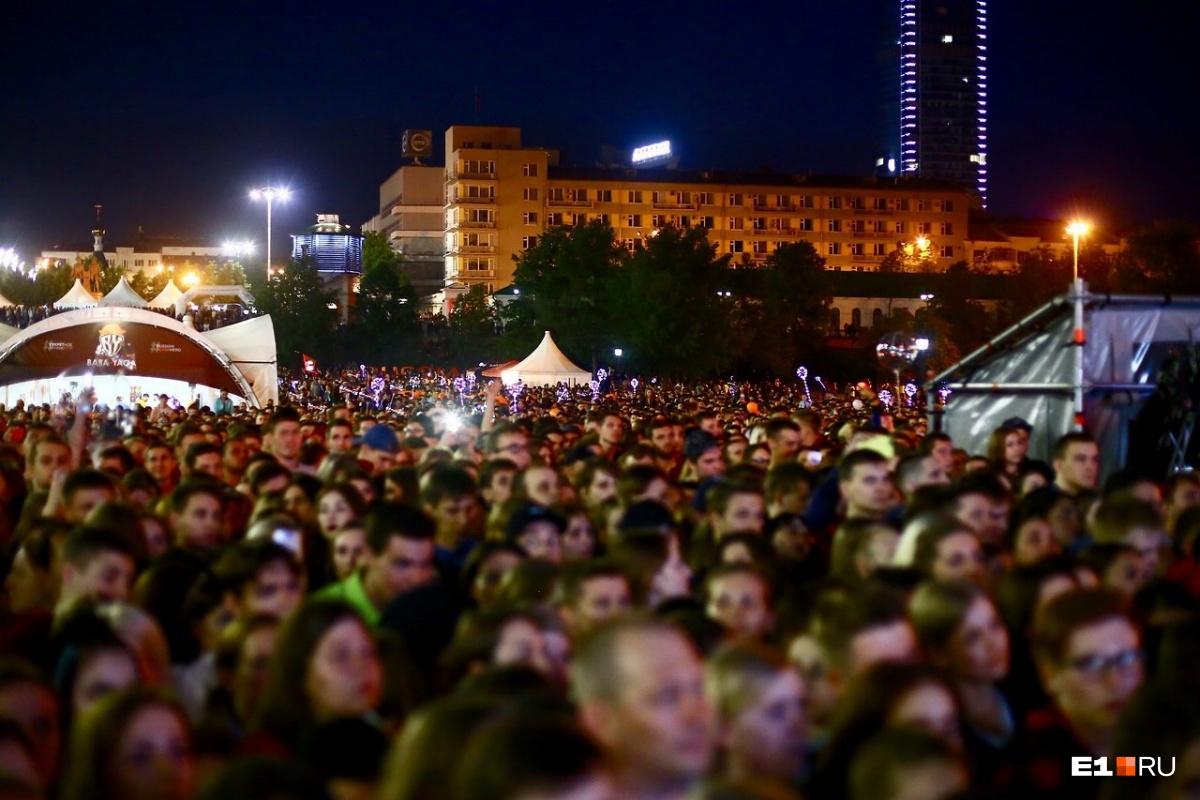 Толпы больше, чем в День города: в Екатеринбурге прошла «Ночь музыки»