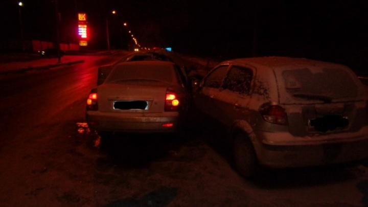 Массовое ДТП в Уфе: на Сельской Богородской столкнулись три легковушки