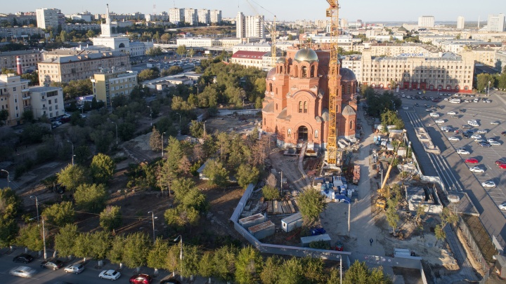«Историю выкидываем в овраг»: в сквере за Александро-Невским собором могут покоиться останки солдат