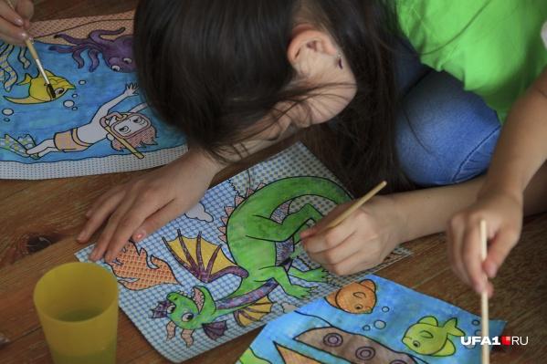 Почти восемь тысяч уфимских школьников будут учиться на дому