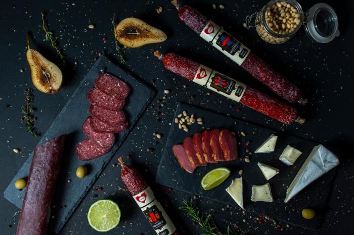 Букет из колбасы — оригинальный и практичный подарок для любого мужчины