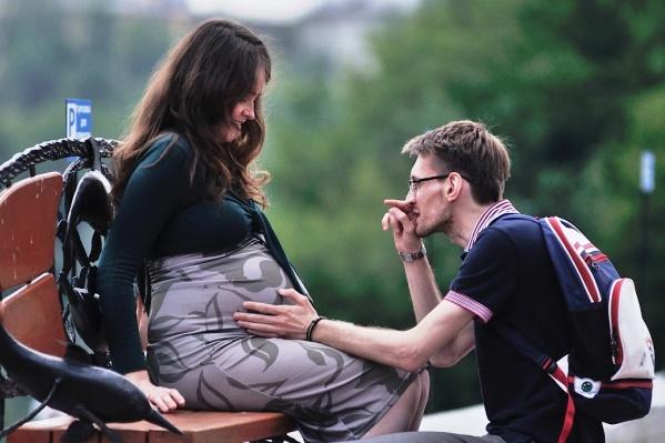 На выплаты в связи с рождением первенца смогут претендовать только семьи с доходом ниже 1,5 прожиточного минимумам на человека