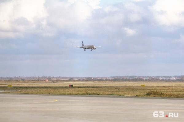 Многострадальный рейс в итоге всё-таки приземлился в Курумоче