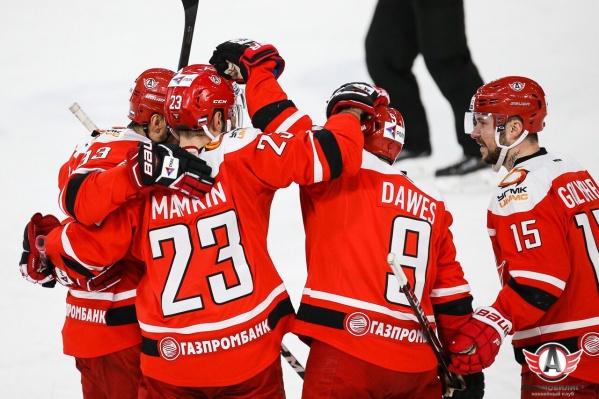 До сегодняшнего матча «Автомобилист» трижды подряд проигрывал «Сочи» в Екатеринбурге