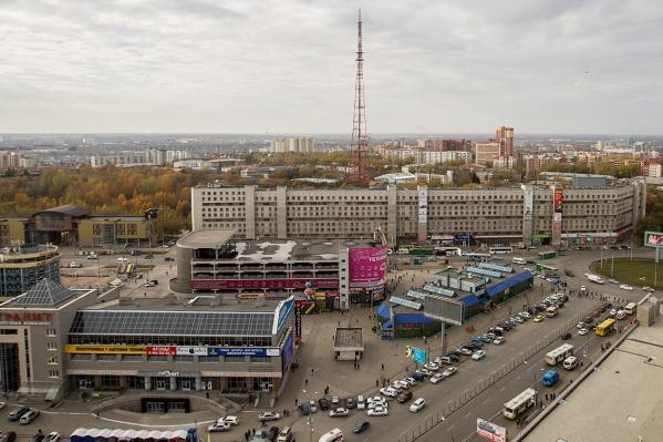 Вокруг многоярусной парковки на Маркса появится ТЦ, который может стать единым комплексом с двумя «Гранитами» и выходом из метро