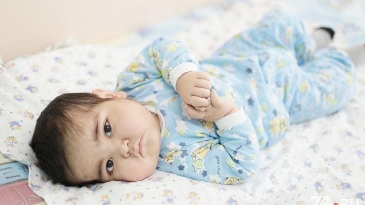 Челябинские хирурги спасли малыша, перенесшего шесть операций на кишечнике