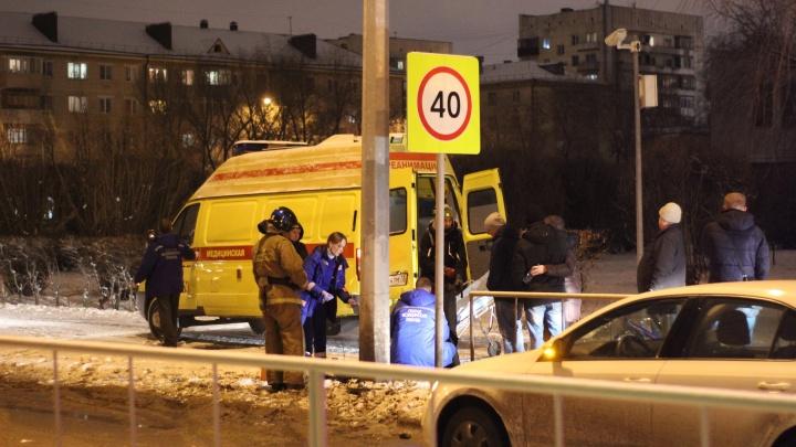 На Рижской водитель SKODA Octavia сбил мужчину, переходившего дорогу на красный