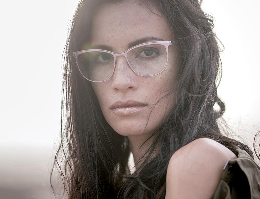 c0bae8faa За один визит в салоне оптики можно выбрать модные очки высокого качества  по разумной цене