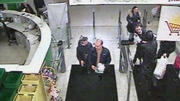В гипермаркете «Окей» показали видео с камер, на котором видно, кто стал зачинщиком конфликта