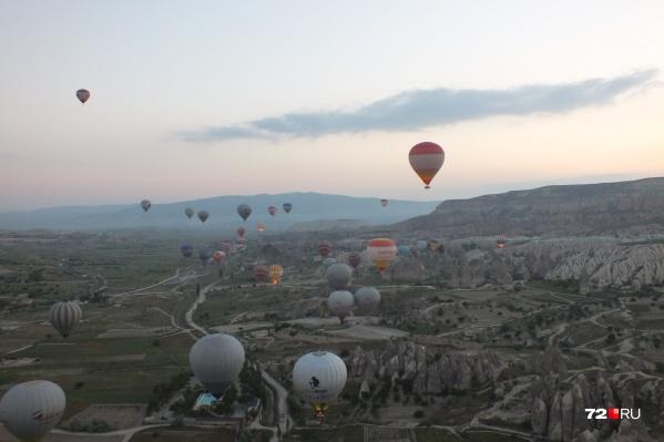 Большинство этих туристов хотели провести свой отпуск в Турции. Но теперь им придется обивать пороги полиции, чтобы вернуть свои деньги