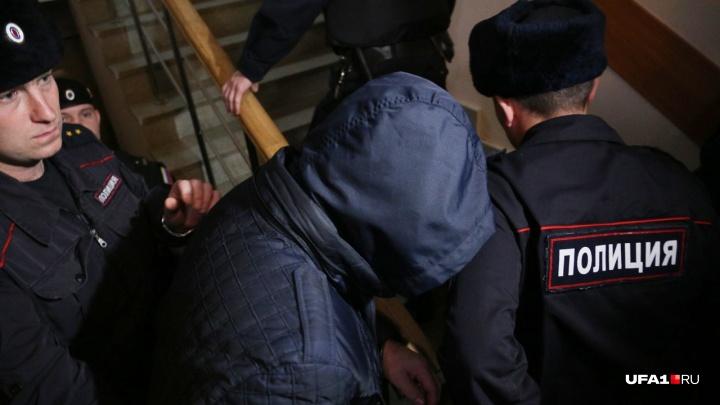 У одного из экс-полицейских, обвиняемых в изнасиловании сотрудницы МВД Уфы, обнаружили опухоль мозга