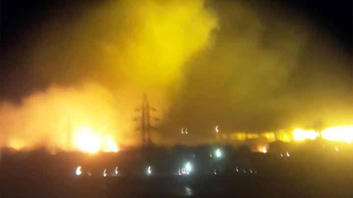 Пожар у теплиц в Чурилово тушили несколько часов