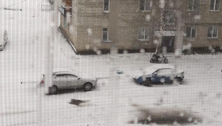 За несколько дней до лета Енисейск и Лесосибирск завалило снегом