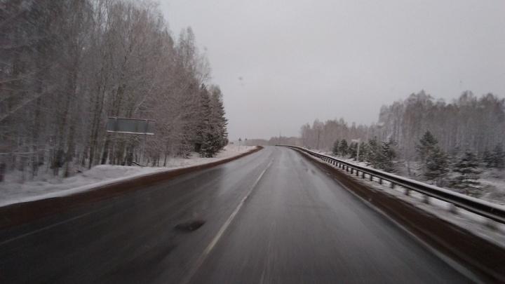 На трассах под Красноярском выпал снег