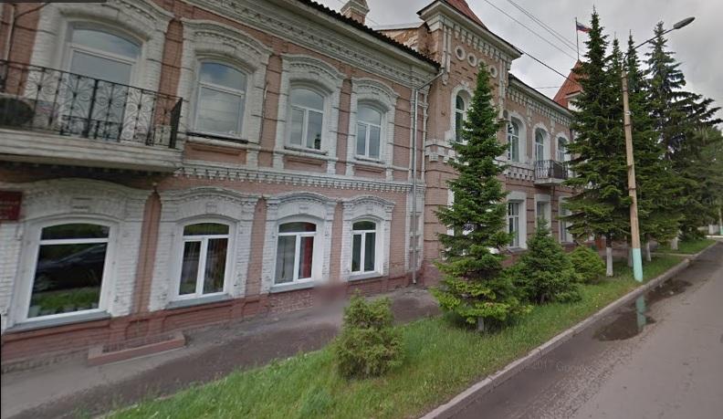 В районах края депутатов уличили в сокрытии миллионов и внедорожника
