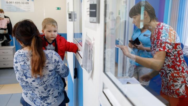 «Никогда не знаем, что будет в следующую минуту»:один день из жизни детского отделения в Волгограде