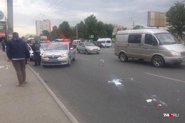 Авария произошла в районе остановки транспорта на пересечении Комсомольского проспекта и улицы Косарева