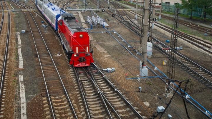 На Урале за один день под колёсами поездов погибли двое мужчин