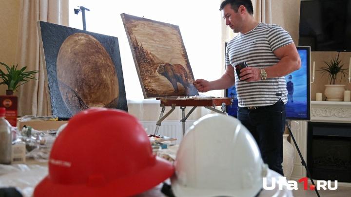«Увидел на грязной робе образы»: буровик из Башкирии рисует картины нефтью