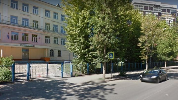 В аварийном здании самарской школы № 46, где рухнул потолок, укрепят фундамент