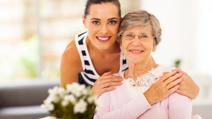 Трогательно до слез: что подарить любимой маме ко Дню матери