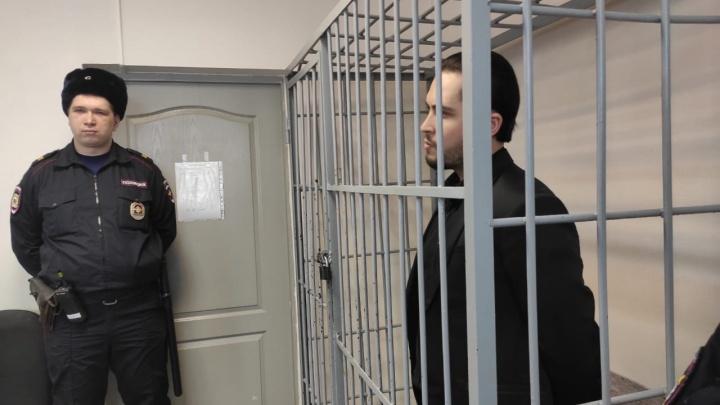 В Екатеринбурге вынесли приговор стоматологу, который пытался подорвать свою сожительницу