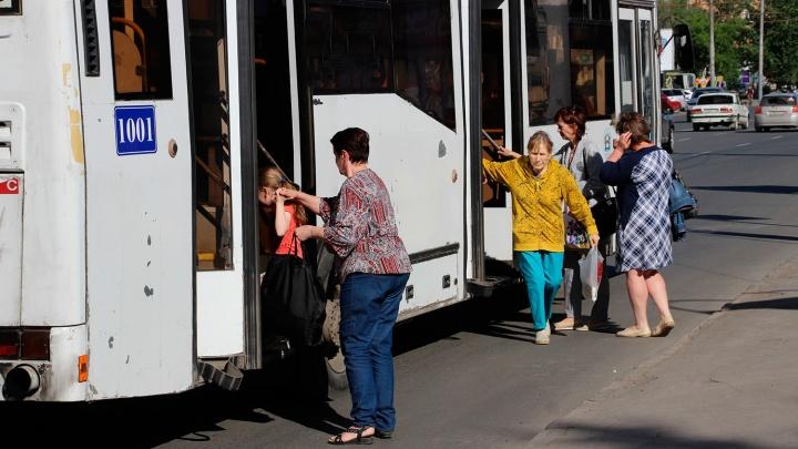 В Омске заработал автоответчик, сообщающий время прибытия автобуса