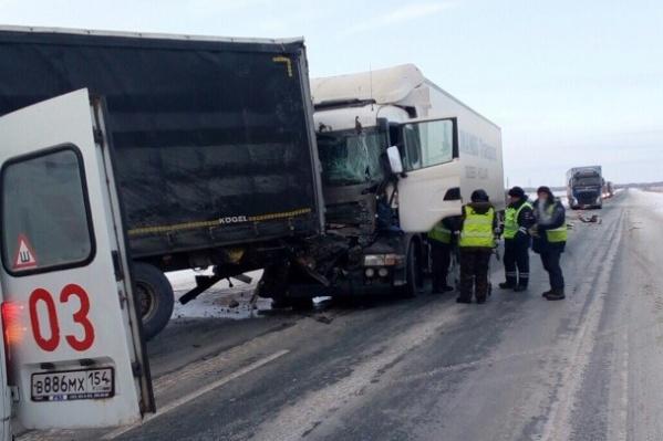 В аварии пострадал водитель «Скании»