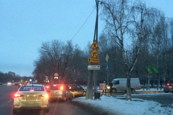 Из-за ремонта Одесской сделали одностороннее движение на Котовского. Сотрудники ГИБДД просят быть внимательнее водителей в этом районе