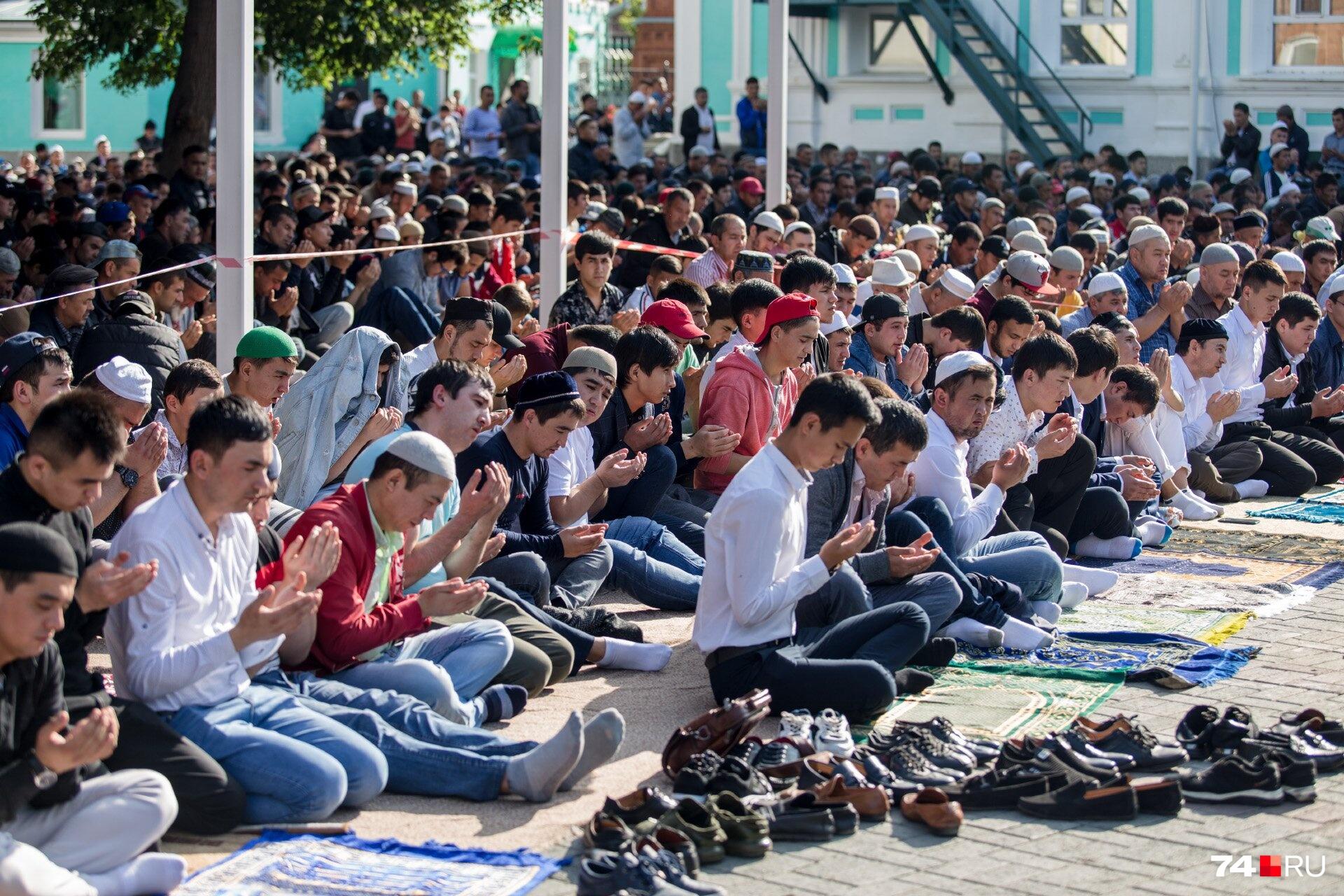 В мечети на Елькина ежегодно собирается порядка двух тысяч мусульман