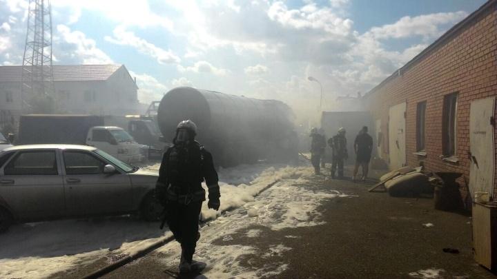 После мощного пожара с участием автоцистерны в Старом Кировске решили проверить состояние воздуха