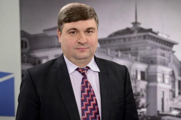 Владимир Стрельцов, по данным прокуратуры, скрыл от налоговой 17 миллионов рублей. Теперь ему придётся заплатить 300 тысяч