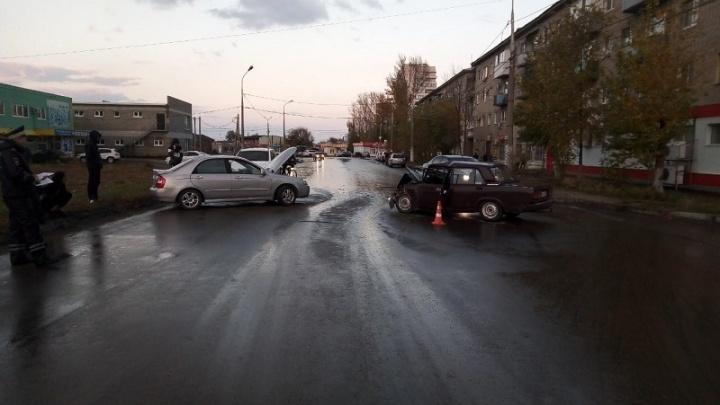 «Госпитализированы четверо»: пенсионер на иномарке устроил крупное ДТП на юге Волгограда