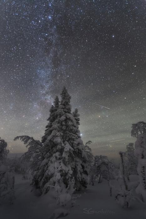 Фотограф из Екатеринбурга снимает по ночам уральское небо. Посмотрите, как это красиво