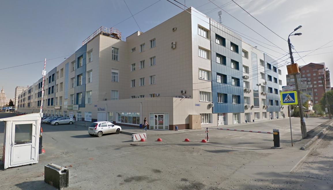 Центр находится на Витебской, 4, напротив фуд-маркета «Белый рынок»