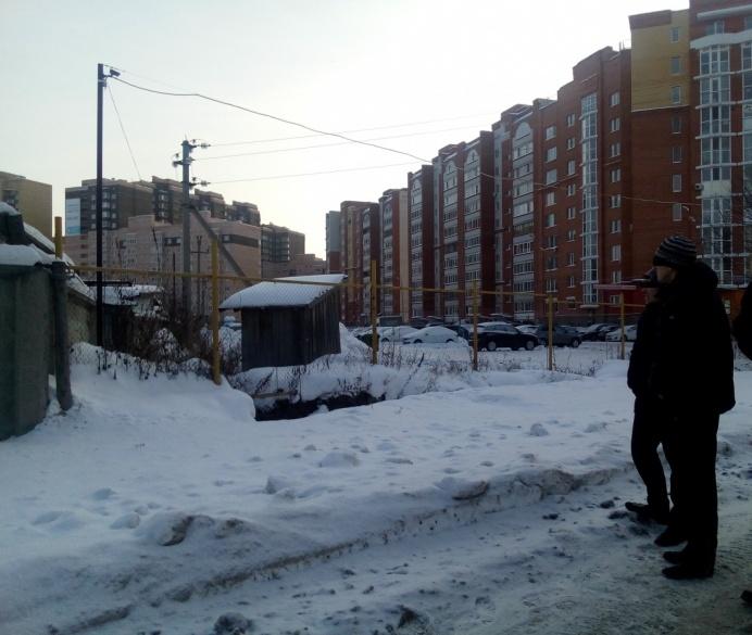 Банде удалось вынудить бизнесмена отдать 20 миллионов рублей. О преступлениях участники рассказали во время следственного эксперимента