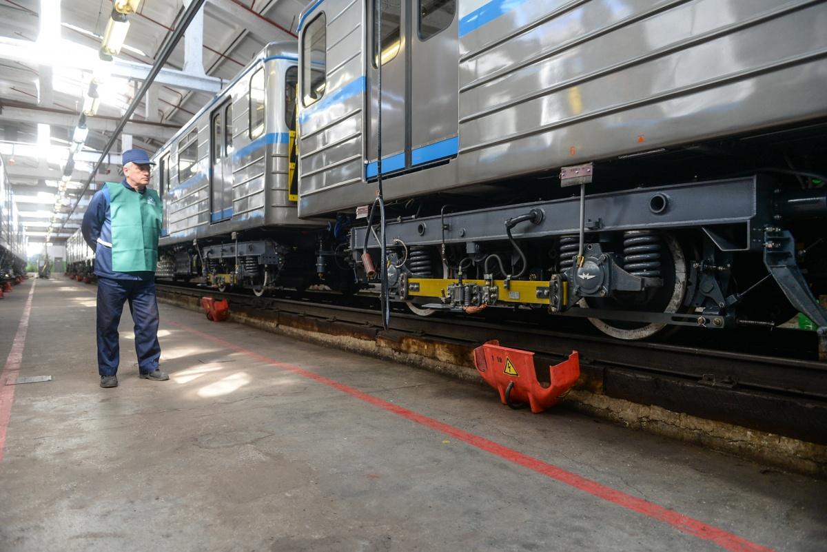 На поезда завод-изготовитель дает длительный гарантийный срок