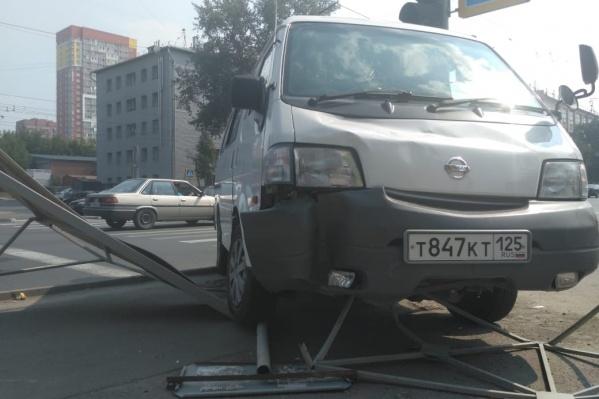 Авария произошла около 13 часов