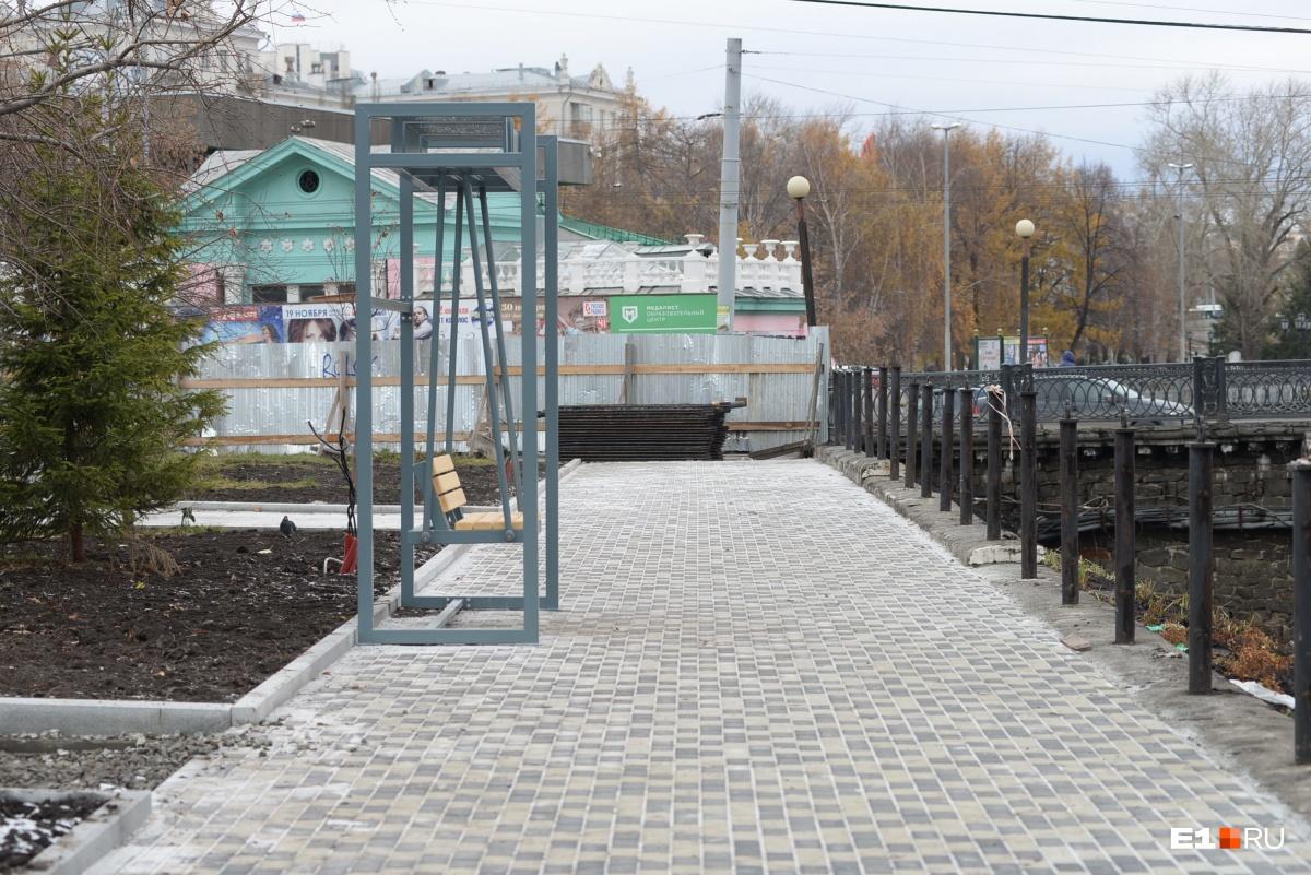 Велодорожка может рухнуть: Водоканал потребовал переделать проект реконструкции набережной Исети