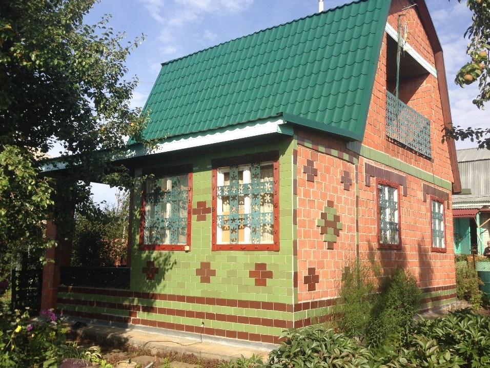 Этот домик в садах под Челябинском хозяин продаёт за 650 тысяч рублей