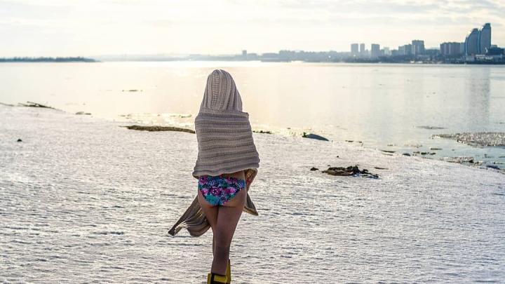С голой попой, лицом к Волгограду: смотрим, как горожане проводят выходные