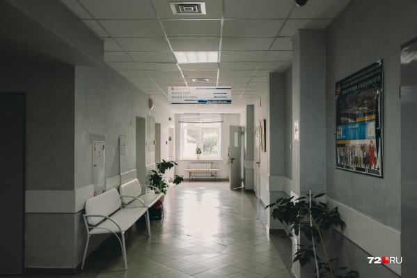 Женщина попала к врачам, когда состояние ее здоровья стало критическим. За месяцы опухоль спровоцировала появление венозных тромбозов<br>