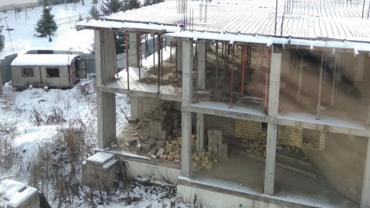 Жители Башкирии пожаловались на замороженную стройку дома для детей-сирот